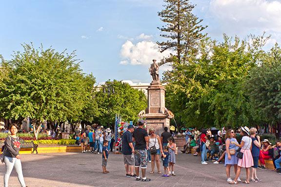 Plaz de Armas Querétaro, gente
