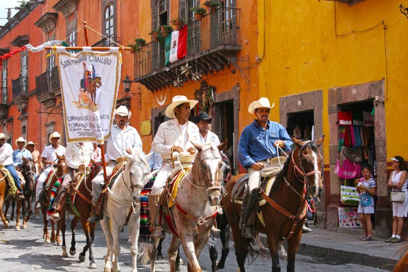 Fiestas Patrias Cabalgata