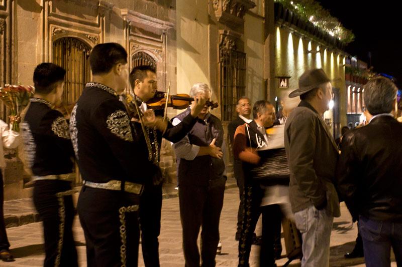 Fiestas Patrias Mariachi SMA